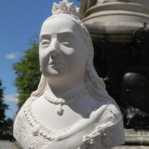 Queen Victoria (high res) (3)
